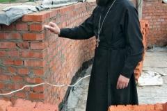 Волонтерская помощь храму Александра Невского в Красноармейске, сотрудничество с Администрацией города, нанесение имен жертвователей на кирпичи