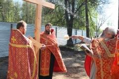 Установка креста на месте строительства Александро-Невского храма в Красноармейске